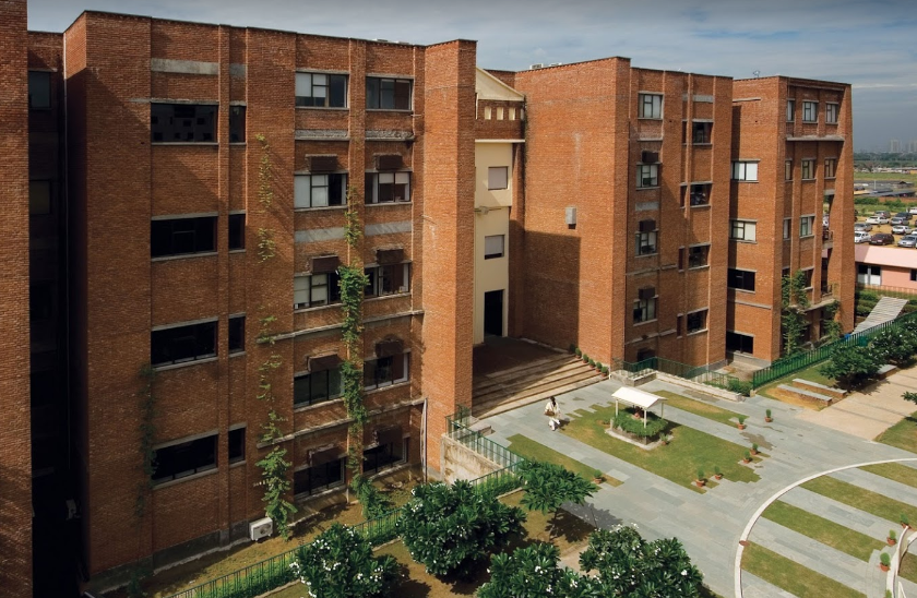 IILM University, Gurgaon - Courses, Fees, Placement Reviews