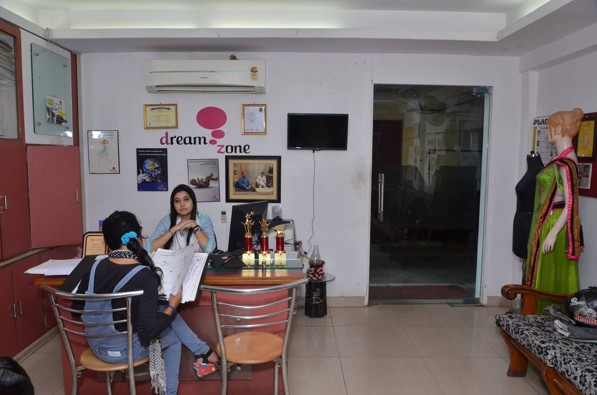 Dream Zone School Of Creative Studies Hazratganj Lucknow Courses Fees Placements Ranking Admission 2020