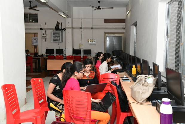 Sndt Women S University Juhu Mumbai Courses Fees Placements Ranking Admission 2020